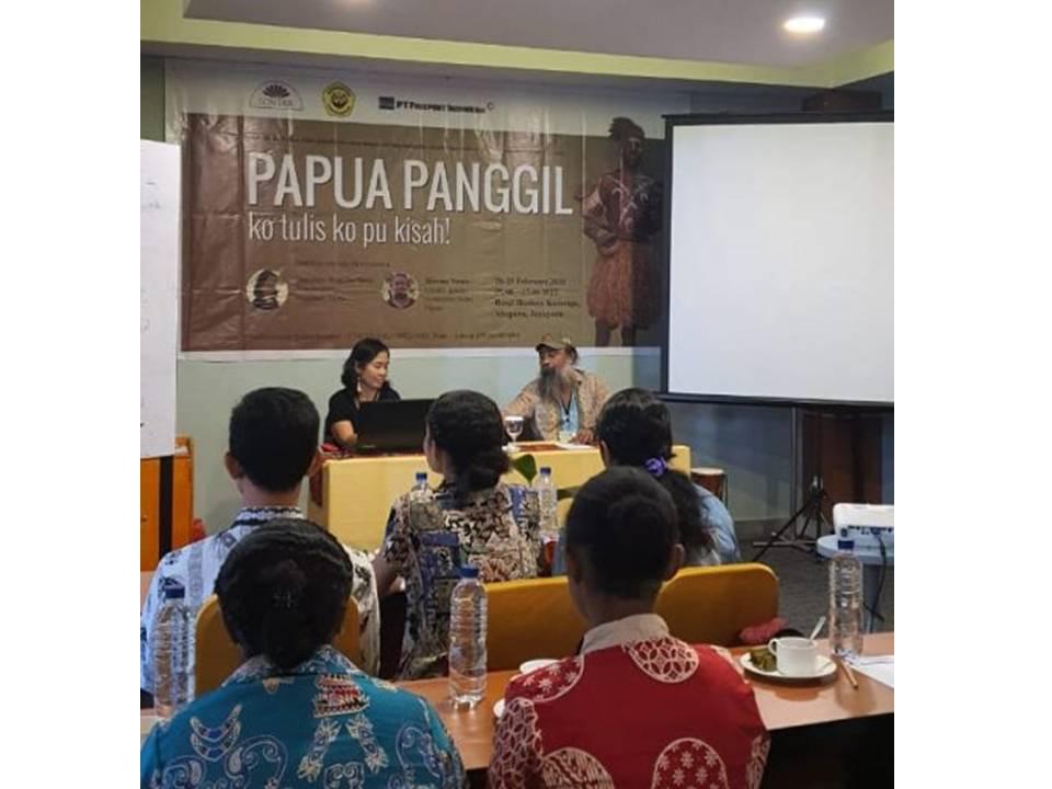 Bangun Literasi Papua Lewat Sastra dan Menulis Kreatif