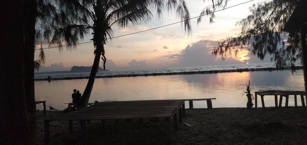 Pantai Holtecamp saat pagi hari -Doc.Pace Kosapa