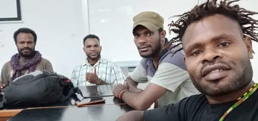 Cp:Pasukan komunitas Sastra Papua (KOSAPA)