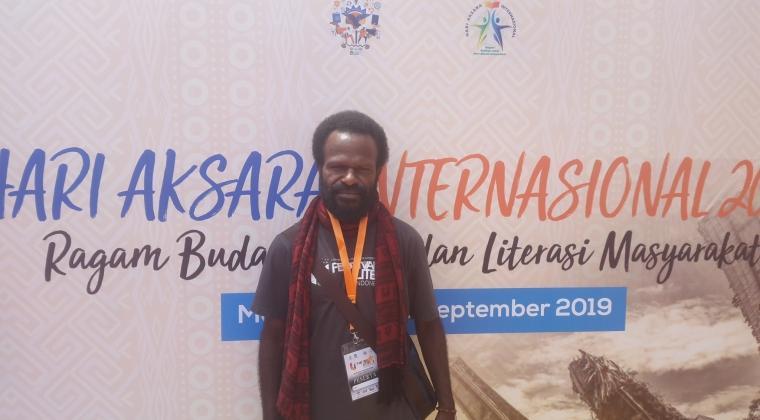 Sekertaris Komunitas Sastra Papua (kosapa) Alexander Giyai