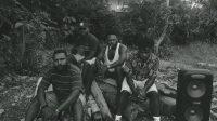 Fredy Degei, Pudidi Bunapa, Nomensen Dou dan Berto saat sedang berdiskui tentang sepak bola, Musik, dan Pelabelan Teroris dari Negara terhadap TPNPB – Doc. Amison F. Dogopia